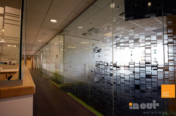 Making The Most Of Small Office Spaces With Glass Partitions